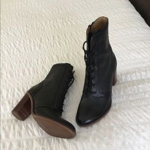 Black leather boots NWT